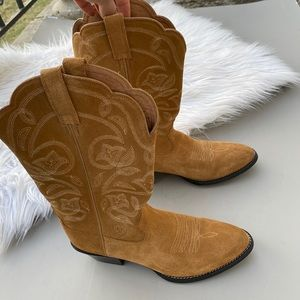 Ariat Women's Round Up Square Toe boots